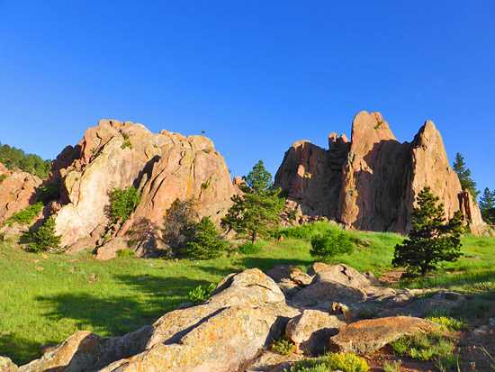 The Red Rocks of Settlers Park